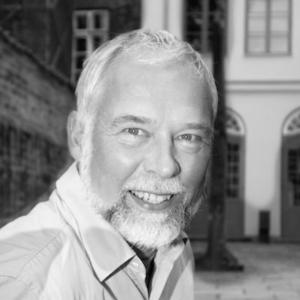 Dr. Manfred Eickhölter